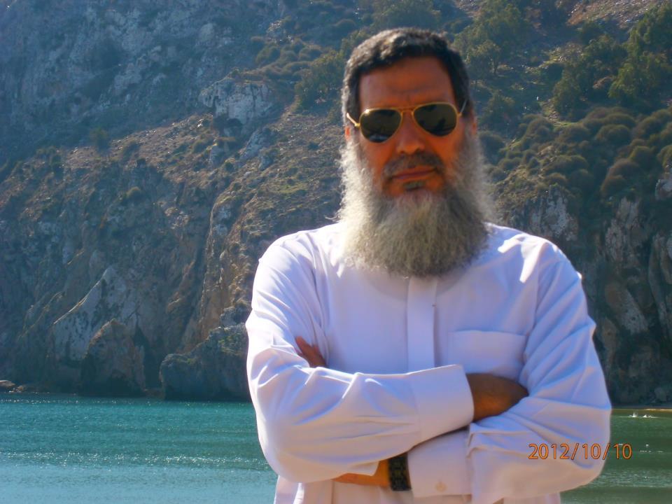 الفيزاري : لـ (عصيد) محمد رسول الأمة و ليس (ميسي) أو (رونالدو)  .