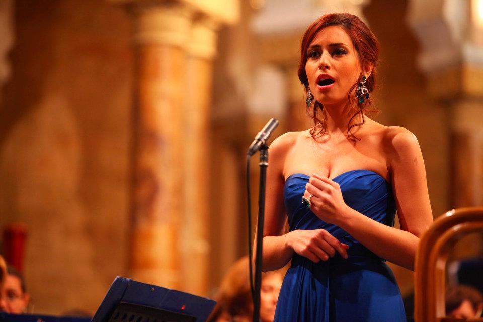 الفنانة اللبنانية «هبة طوجي» تنفي زواجها السري من أسامة الرحباني