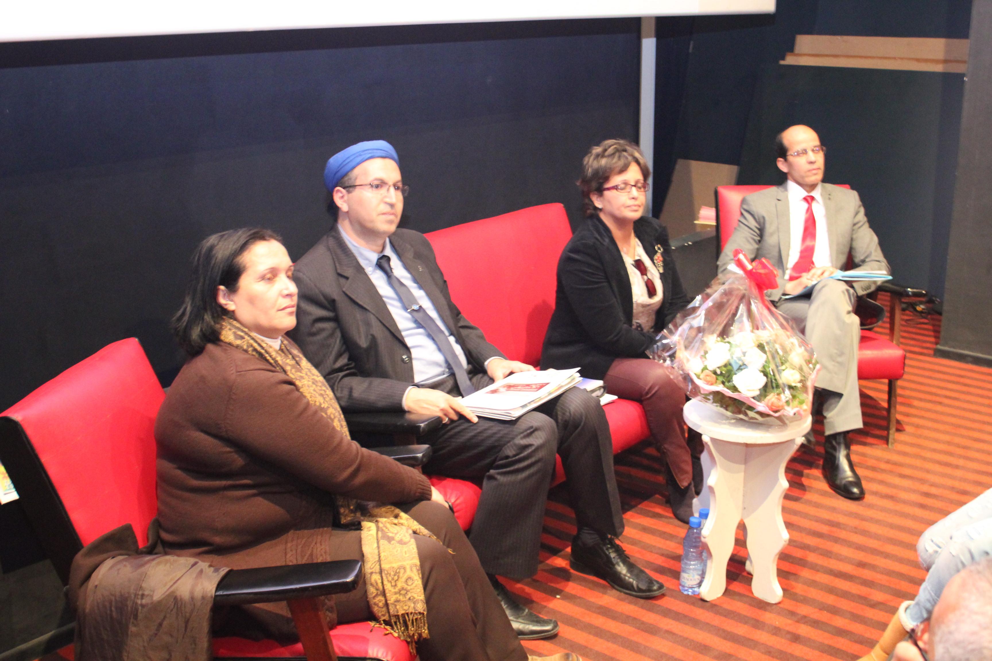 صحافيون أمازيغيون ينعون الصحافة الأمازيغية المكتوبة بطنجة