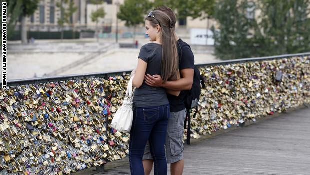 تبحث عن علاقة حب جادة … قد تجدها هنا!