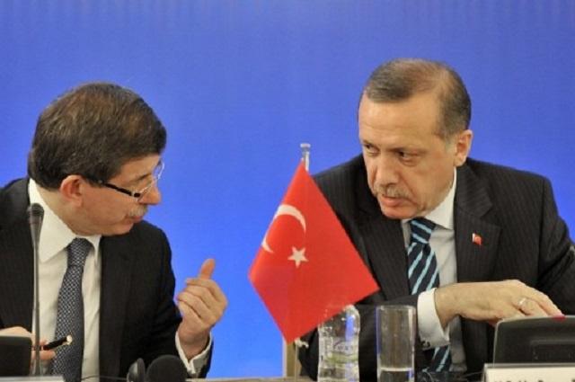 لهذه الأسباب أعلنت تركيا الحرب على مواقع التواصل الإجتماعي (تويتر – يوتوب)