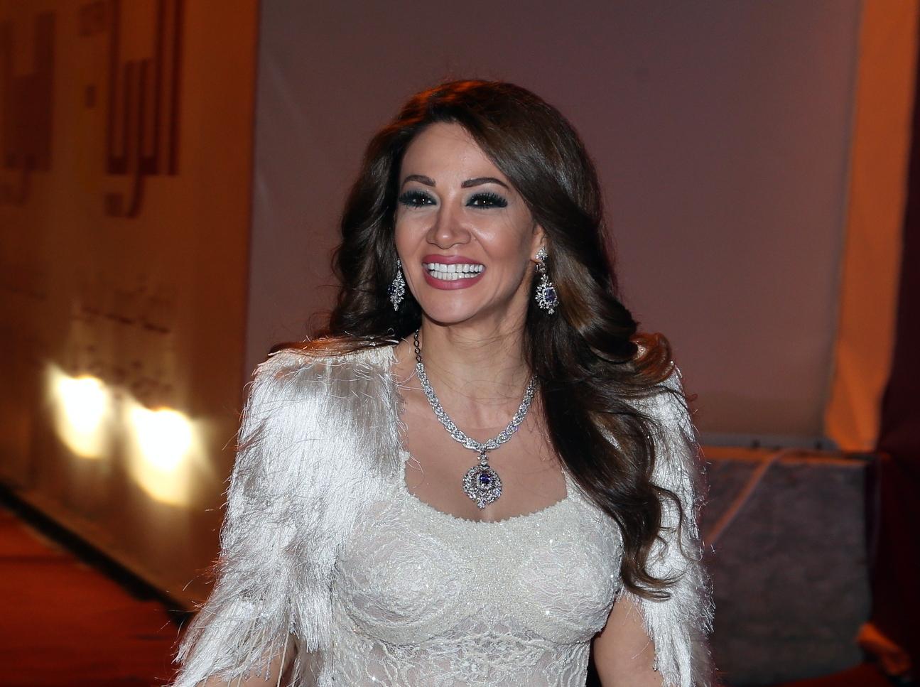 للنقاش :  الغناء باللهجة المغربية موضة 2014  ومطربون كبار يتهافتون على الإصدار